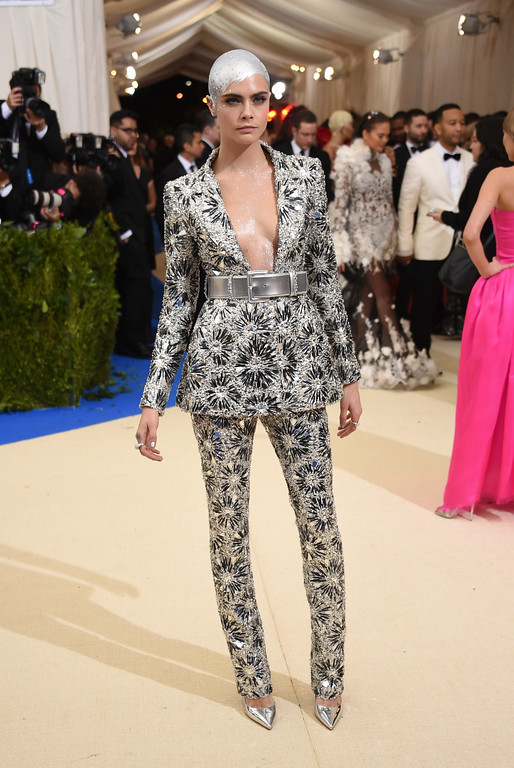 . Cara Delevingne attends The Metropolitan Museum of Art\'s Costume Institute benefit gala celebrating the opening of the Rei Kawakubo/Comme des Garçons: Art of the In-Between exhibition on Monday, May 1, 2017, in New York. (Photo by Evan Agostini/Invision/AP)