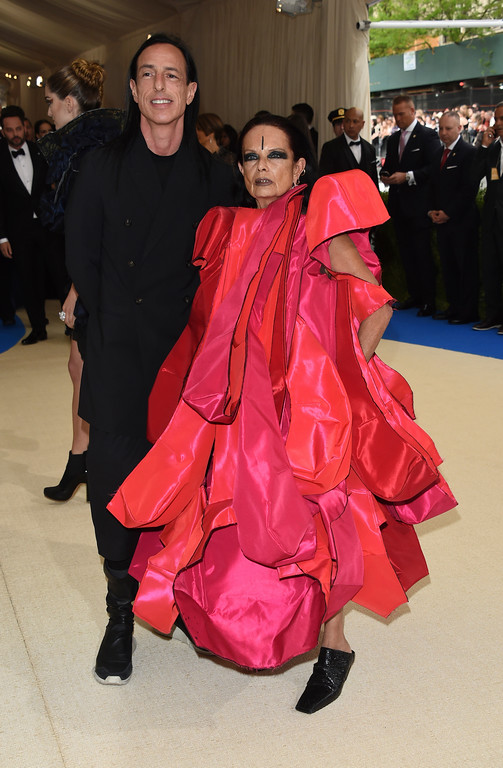 . Rick Owens and Michèle Lamy attend The Metropolitan Museum of Art\'s Costume Institute benefit gala celebrating the opening of the Rei Kawakubo/Comme des Garçons: Art of the In-Between exhibition on Monday, May 1, 2017, in New York. (Photo by Evan Agostini/Invision/AP)