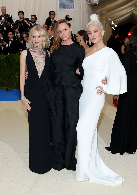 """. NEW YORK, NY - MAY 01:  (L-R) Naomi Watts, Stella McCartney and Kate Hudson attend the \""""Rei Kawakubo/Comme des Garcons: Art Of The In-Between\"""" Costume Institute Gala at Metropolitan Museum of Art on May 1, 2017 in New York City.  (Photo by Neilson Barnard/Getty Images)"""