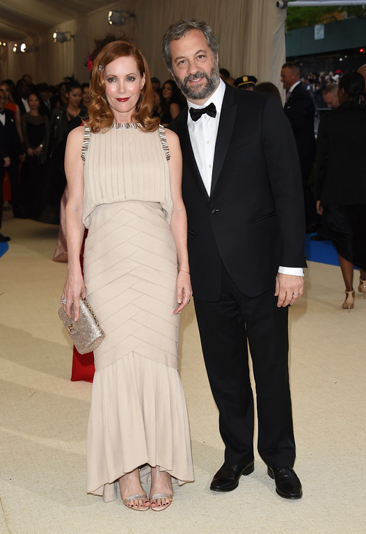 . Leslie Mann, left, and Judd Apatow attend The Metropolitan Museum of Art\'s Costume Institute benefit gala celebrating the opening of the Rei Kawakubo/Comme des Garçons: Art of the In-Between exhibition on Monday, May 1, 2017, in New York. (Photo by Evan Agostini/Invision/AP)