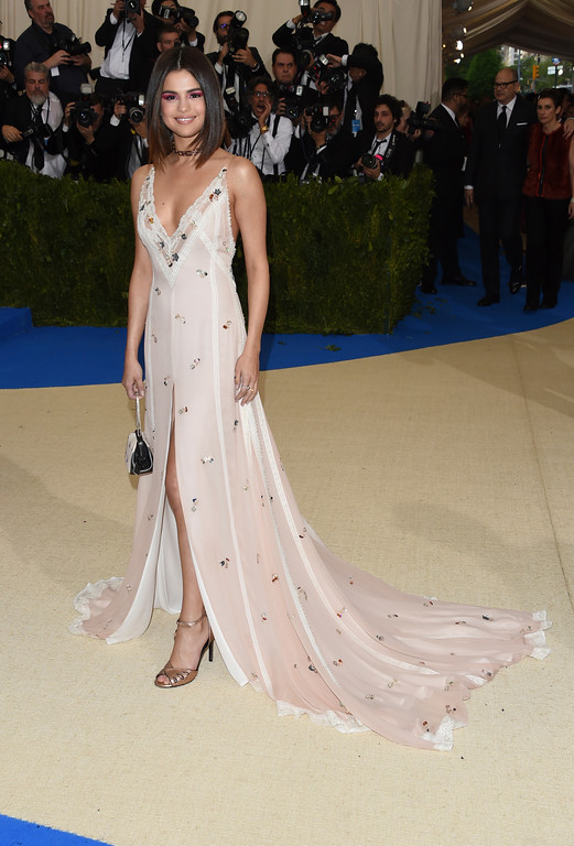 . Selena Gomez attends The Metropolitan Museum of Art\'s Costume Institute benefit gala celebrating the opening of the Rei Kawakubo/Comme des Garçons: Art of the In-Between exhibition on Monday, May 1, 2017, in New York. (Photo by Evan Agostini/Invision/AP)