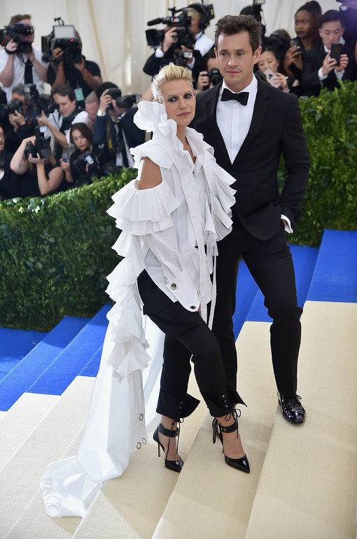 """. NEW YORK, NY - MAY 01:  Claire Danes (L) and Hugh Dancy attend the \""""Rei Kawakubo/Comme des Garcons: Art Of The In-Between\"""" Costume Institute Gala at Metropolitan Museum of Art on May 1, 2017 in New York City.  (Photo by Theo Wargo/Getty Images For US Weekly)"""
