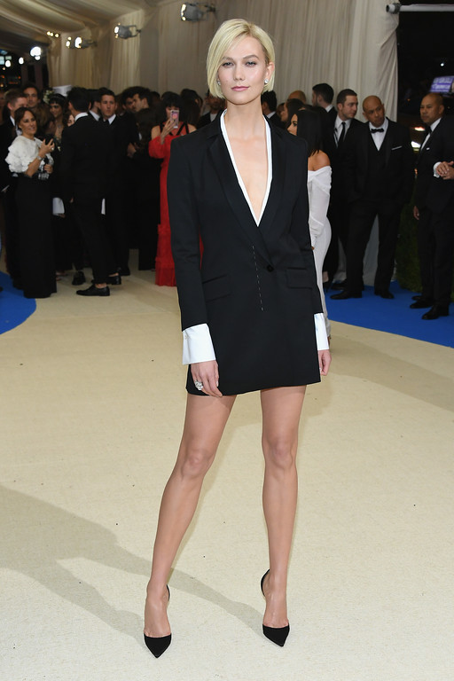 """. NEW YORK, NY - MAY 01:  Karlie Kloss attends the \""""Rei Kawakubo/Comme des Garcons: Art Of The In-Between\"""" Costume Institute Gala at Metropolitan Museum of Art on May 1, 2017 in New York City.  (Photo by Dia Dipasupil/Getty Images For Entertainment Weekly)"""