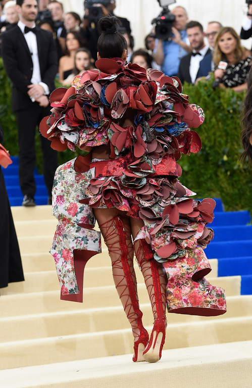 . Rihanna attends The Metropolitan Museum of Art\'s Costume Institute benefit gala celebrating the opening of the Rei Kawakubo/Comme des Garçons: Art of the In-Between exhibition on Monday, May 1, 2017, in New York. (Photo by Evan Agostini/Invision/AP)
