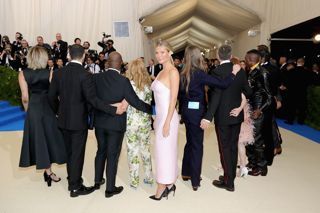 """. NEW YORK, NY - MAY 01:  Gwyneth Paltrow (C) attends the \""""Rei Kawakubo/Comme des Garcons: Art Of The In-Between\"""" Costume Institute Gala at Metropolitan Museum of Art on May 1, 2017 in New York City.  (Photo by Neilson Barnard/Getty Images)"""