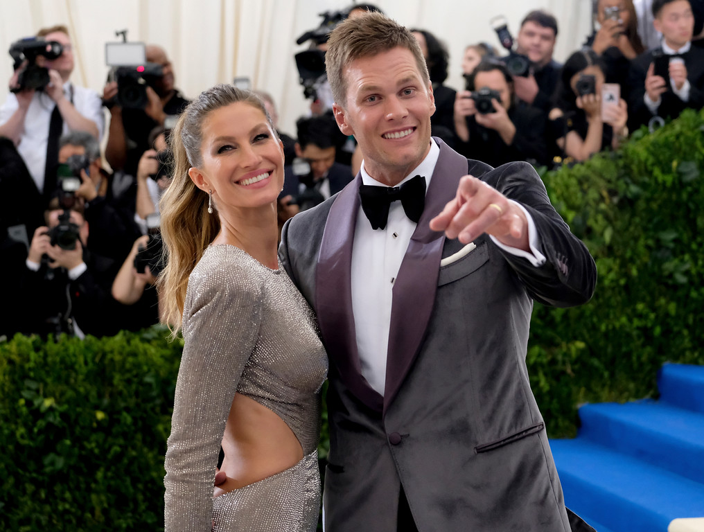 . Gisele Bundchen, left, and Tom Brady attend The Metropolitan Museum of Art\'s Costume Institute benefit gala celebrating the opening of the Rei Kawakubo/Comme des Garçons: Art of the In-Between exhibition on Monday, May 1, 2017, in New York. (Photo by Charles Sykes/Invision/AP)