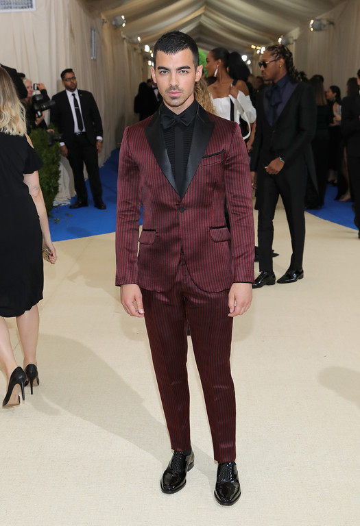 """. NEW YORK, NY - MAY 01:  Joe Jonas attends the \""""Rei Kawakubo/Comme des Garcons: Art Of The In-Between\"""" Costume Institute Gala at Metropolitan Museum of Art on May 1, 2017 in New York City.  (Photo by Neilson Barnard/Getty Images)"""