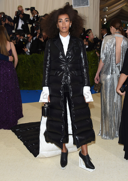 . Solange attends The Metropolitan Museum of Art\'s Costume Institute benefit gala celebrating the opening of the Rei Kawakubo/Comme des Garçons: Art of the In-Between exhibition on Monday, May 1, 2017, in New York. (Photo by Evan Agostini/Invision/AP)