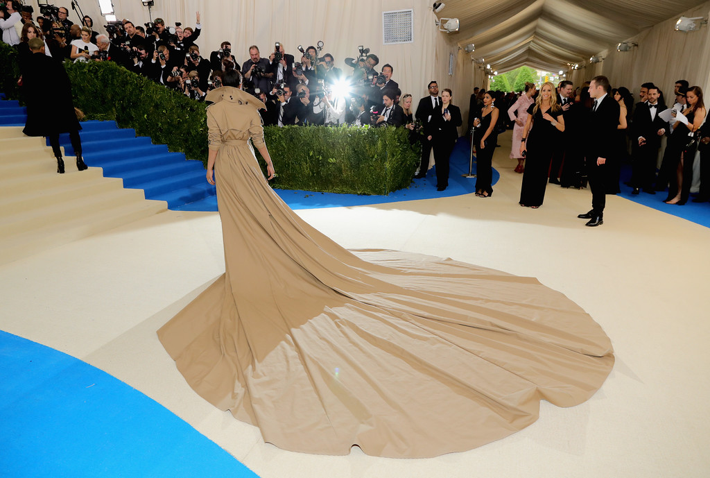 """. NEW YORK, NY - MAY 01:  Priyanka Chopra attends the \""""Rei Kawakubo/Comme des Garcons: Art Of The In-Between\"""" Costume Institute Gala at Metropolitan Museum of Art on May 1, 2017 in New York City.  (Photo by Neilson Barnard/Getty Images)"""