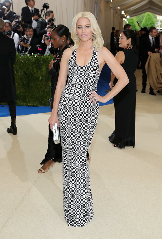 """. NEW YORK, NY - MAY 01:  Elizabeth Banks attends the \""""Rei Kawakubo/Comme des Garcons: Art Of The In-Between\"""" Costume Institute Gala at Metropolitan Museum of Art on May 1, 2017 in New York City.  (Photo by Neilson Barnard/Getty Images)"""