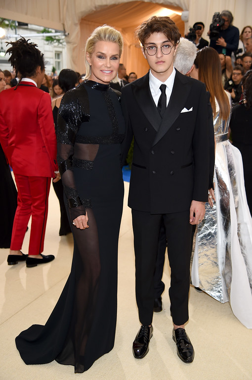 """. NEW YORK, NY - MAY 01: Yolanda Hadid and Anwar Hadid attend the \""""Rei Kawakubo/Comme des Garcons: Art Of The In-Between\"""" Costume Institute Gala at Metropolitan Museum of Art on May 1, 2017 in New York City.  (Photo by Dimitrios Kambouris/Getty Images)"""