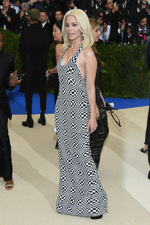 """. NEW YORK, NY - MAY 01: Elizabeth Banks attends the \""""Rei Kawakubo/Comme des Garcons: Art Of The In-Between\"""" Costume Institute Gala at Metropolitan Museum of Art on May 1, 2017 in New York City.  (Photo by Dia Dipasupil/Getty Images For Entertainment Weekly)"""