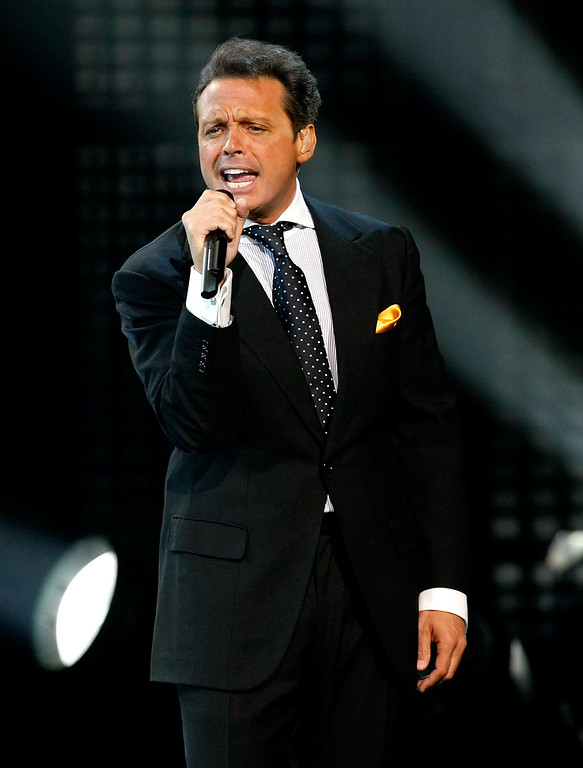 . LAS VEGAS - SEPTEMBER 15:  Singer Luis Miguel performs during the first of four sold-out shows at The Colosseum at Caesars Palace September 15, 2010 in Las Vegas, Nevada. Miguel released a self-titled studio album on September 14.  (Photo by Ethan Miller/Getty Images)