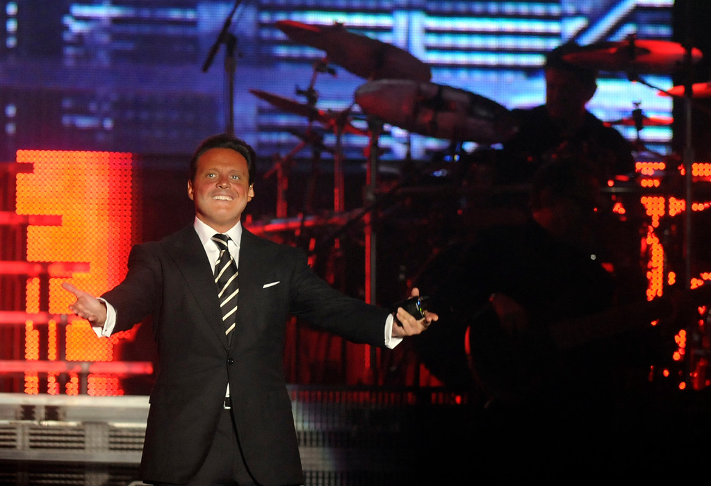 . Mexican singer Luis Miguel performs in Santo Domingo, Dominican Republic, Wednesday, May 11, 2011. (AP Photo/Manuel Diaz)