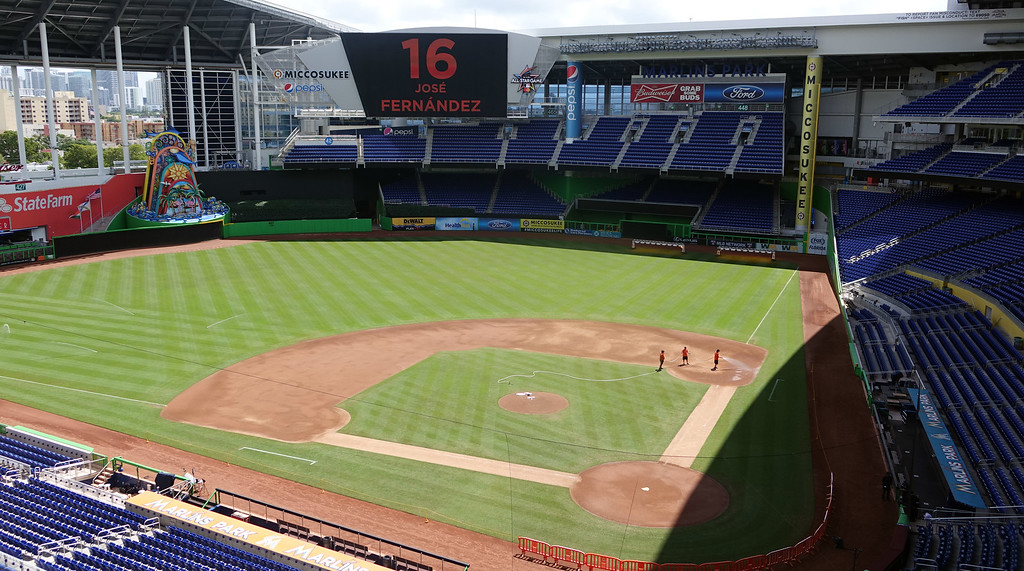 . Marlins Park in Miami is silent after the game against the Atlanta Braves was canceled after the death of  pitcher Jose Fernandez, Sunday, Sept. 25, 2016, in Miami Beach, Fla. (Joe Cavaretta/South Florida Sun-Sentinel via AP)