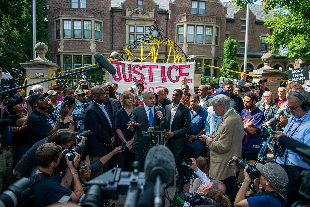 . ST. PAUL, MN - JULY 07:  Minnesota Governor, Mark Dayton, speaks outside the Governor\'s Mansion following the police shooting death of a black man on July 7, 2016 in St. Paul, Minnesota. Philando Castile was shot and killed last night, July 6, 2016, by a police officer in Falcon Heights, MN. (Photo by Stephen Maturen/Getty Images)