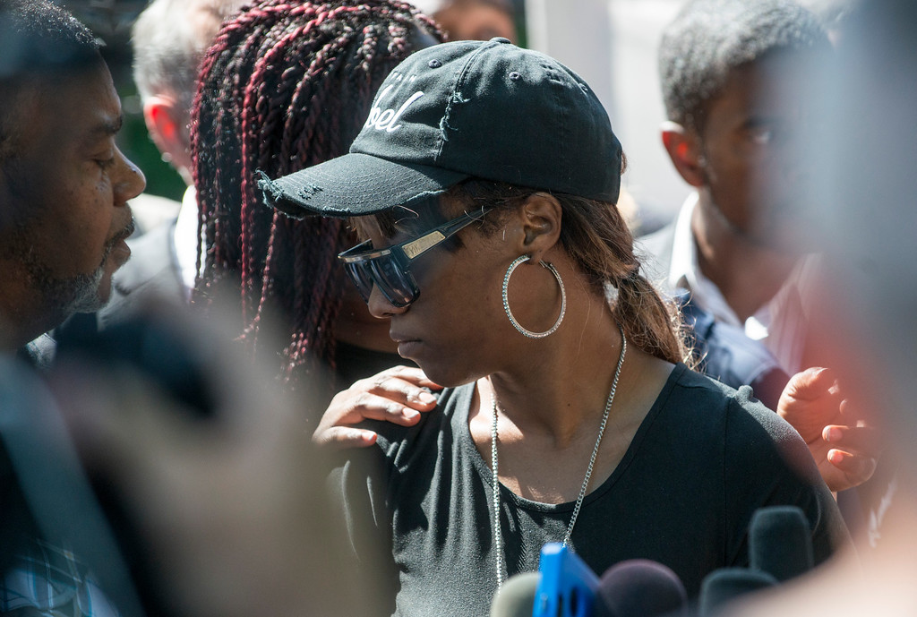 . ST. PAUL, MN - JULY 07: Diamond Reynolds speaks to a crowd outside the Governor\'s Mansion on July 7, 2016 in St. Paul, Minnesota. Reynolds live streamed video of her boyfriend Philando Castile after he was shot by a police officer on the night of July 6th, 2016. (Photo by Stephen Maturen/Getty Images)