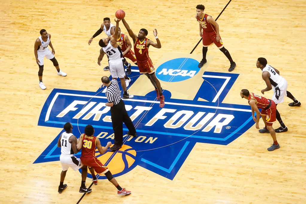 . Providence\'s Jalen Lindsey (21) and Southern California\'s Chimezie Metu (4) vie for the tipoff during the first half of a First Four game of the NCAA men\'s college basketball tournament, Wednesday, March 15, 2017, in Dayton, Ohio. (AP Photo/John Minchillo)