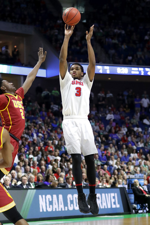 . TULSA, OK - MARCH 17: Sterling Brown #3 of the Southern Methodist Mustangs shoots in the first half against the USC Trojans during the first round of the 2017 NCAA Men\'s Basketball Tournament at BOK Center on March 17, 2017 in Tulsa, Oklahoma.  (Photo by Ronald Martinez/Getty Images)