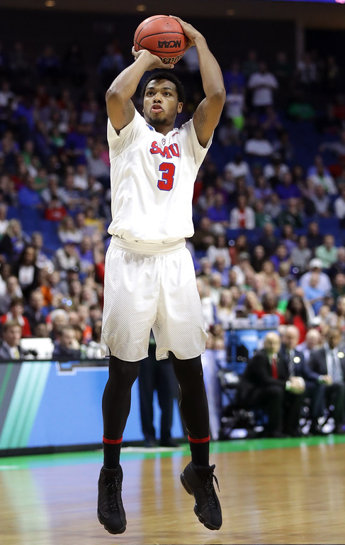 . TULSA, OK - MARCH 17: Sterling Brown #3 of the Southern Methodist Mustangs shoots in the first half during the first round of the 2017 NCAA Men\'s Basketball Tournament at BOK Center on March 17, 2017 in Tulsa, Oklahoma.  (Photo by Ronald Martinez/Getty Images)