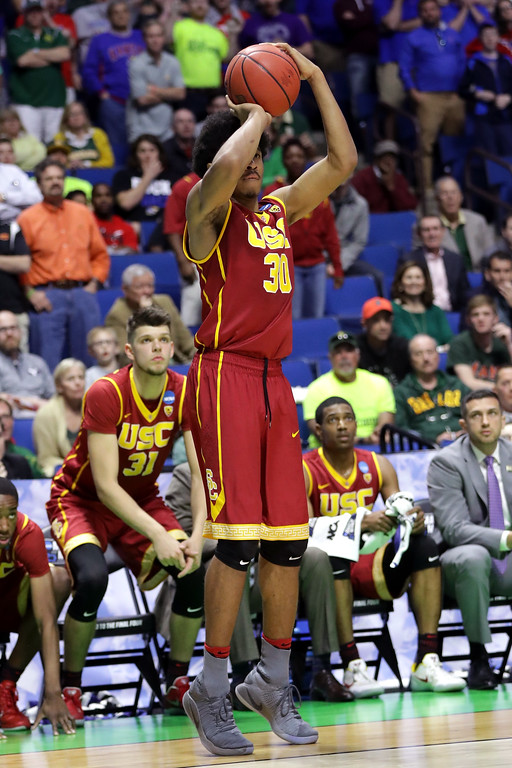. TULSA, OK - MARCH 17: Elijah Stewart #30 of the USC Trojans shoots the game winning basket late in the second half against the Southern Methodist Mustangs during the first round of the 2017 NCAA Men\'s Basketball Tournament at BOK Center on March 17, 2017 in Tulsa, Oklahoma.  (Photo by Ronald Martinez/Getty Images)