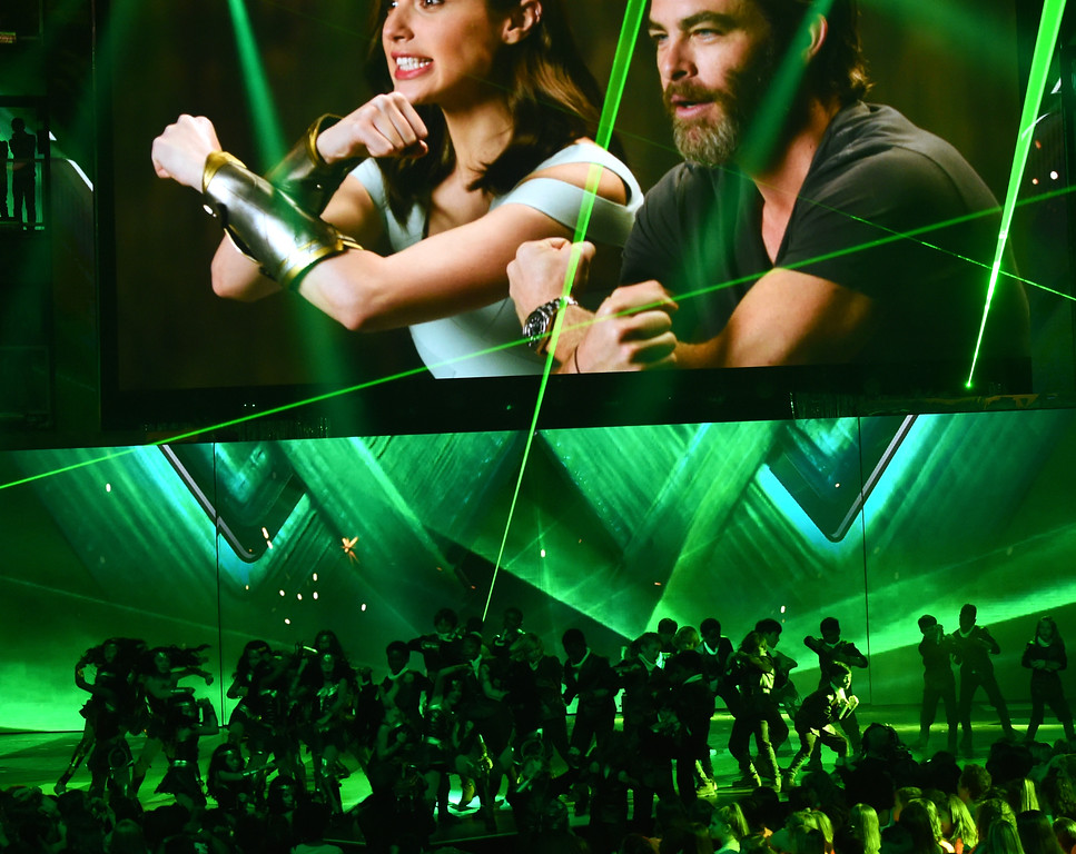 . LOS ANGELES, CA - MARCH 11:  Actors Gal Gadot (L) and Chris Pine speak via satellite at Nickelodeon\'s 2017 Kids\' Choice Awards at USC Galen Center on March 11, 2017 in Los Angeles, California.  (Photo by Kevin Winter/Getty Images)
