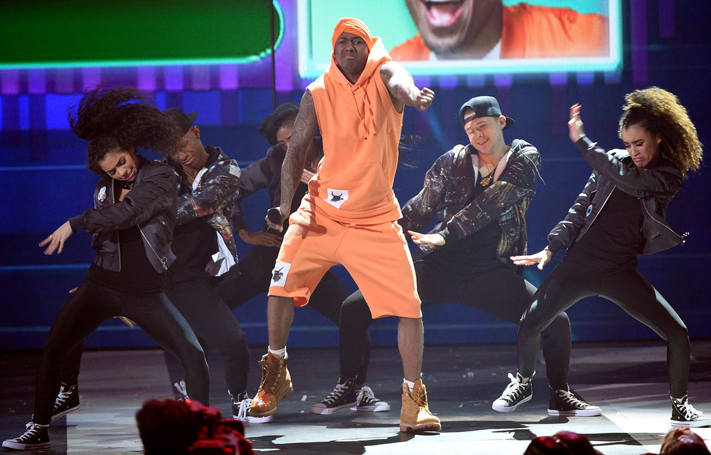. Nick Cannon competes in a dance battle at the Kids\' Choice Awards at the Galen Center on Saturday, March 11, 2017, in Los Angeles. (Photo by Chris Pizzello/Invision/AP)