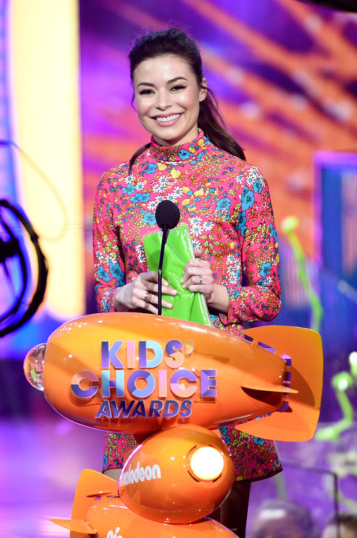 . Miranda Cosgrove presents the award for favorite kids TV show at the Kids\' Choice Awards at the Galen Center on Saturday, March 11, 2017, in Los Angeles. (Photo by Chris Pizzello/Invision/AP)