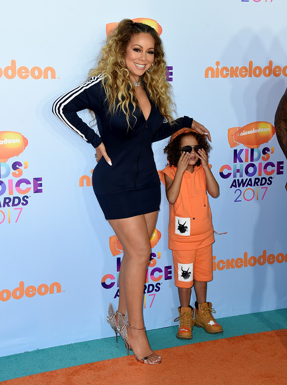 . Mariah Carey, left, and son Moroccan arrive at the Kids\' Choice Awards at the Galen Center on Saturday, March 11, 2017, in Los Angeles. (Photo by Jordan Strauss/Invision/AP)