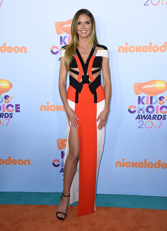. Heidi Klum arrives at the Kids\' Choice Awards at the Galen Center on Saturday, March 11, 2017, in Los Angeles. (Photo by Jordan Strauss/Invision/AP)