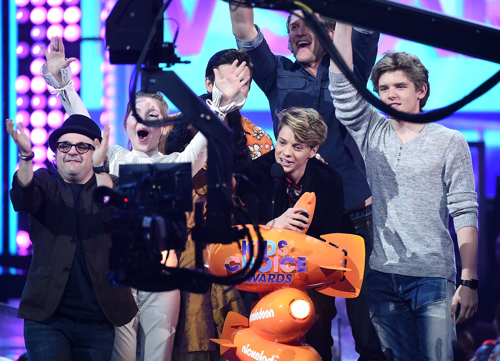 . LOS ANGELES, CA - MARCH 11:  The cast of \'Henry Danger\' accepts the award for Favorite TV Show � Kids\' Show onstage at Nickelodeon\'s 2017 Kids\' Choice Awards at USC Galen Center on March 11, 2017 in Los Angeles, California.  (Photo by Kevin Winter/Getty Images)