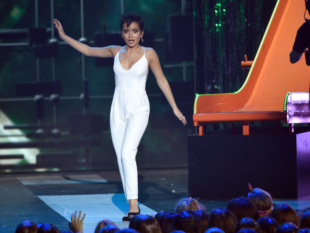 . Isabela Moner walks on stage to present the award for favorite family TV show at the Kids\' Choice Awards at the Galen Center on Saturday, March 11, 2017, in Los Angeles. (Photo by Chris Pizzello/Invision/AP)