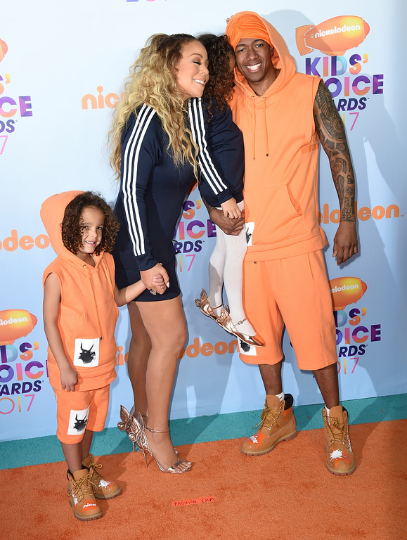 . Mariah Carey, second left, Nick Cannon, right, and from left, and their children Moroccan and Monroe arrive at the Kids\' Choice Awards at the Galen Center on Saturday, March 11, 2017, in Los Angeles. (Photo by Jordan Strauss/Invision/AP)