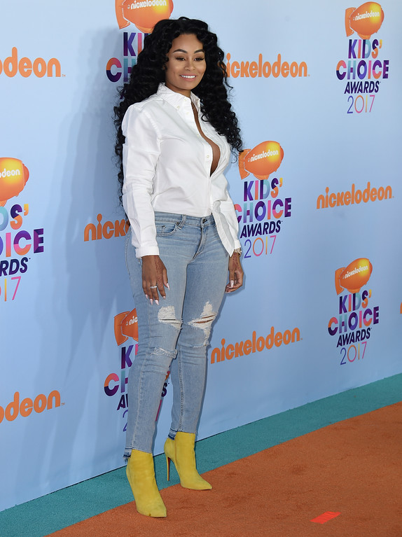 . Blac Chyna arrives at the Kids\' Choice Awards at the Galen Center on Saturday, March 11, 2017, in Los Angeles. (Photo by Jordan Strauss/Invision/AP)