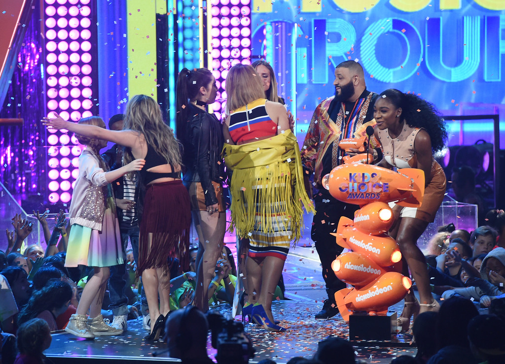 . LOS ANGELES, CA - MARCH 11:  DJ Khaled (C) presents the members of Fifth Harmony with the award for Favorite Music Group at Nickelodeon\'s 2017 Kids\' Choice Awards at USC Galen Center on March 11, 2017 in Los Angeles, California.  (Photo by Kevin Winter/Getty Images)