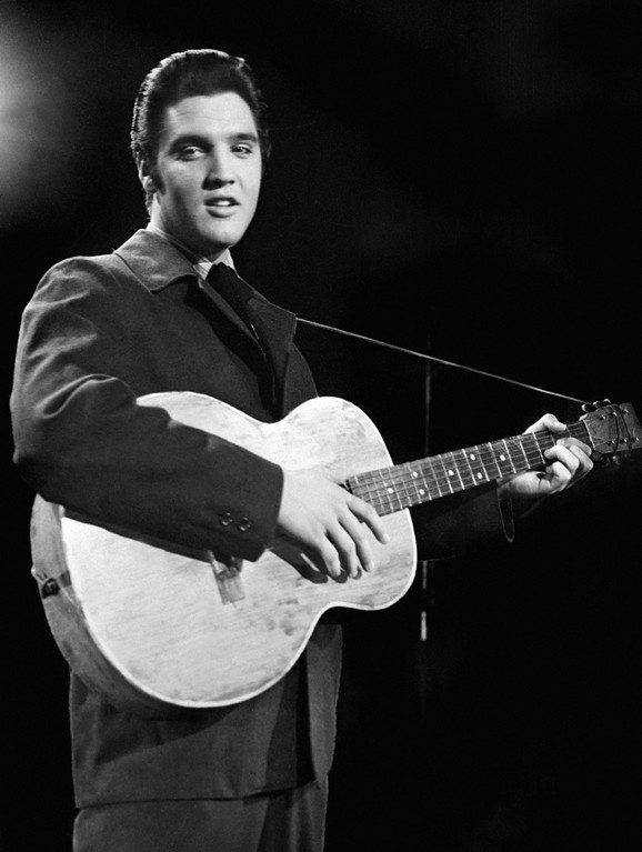. (FILES) Rock\'n roll legend Elvis Presley is seen during a concert in a file picture taken in the 1950\'s. (Photo credit should read -/AFP/Getty Images)