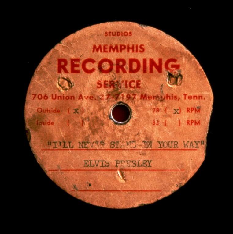 . The acetate disc recorded by Elvis Presley as a demo for Sun Records owner Sam Phillips is shown in this undated handout photo from the New York auction house Guernsey\'s..  (AP Photo)