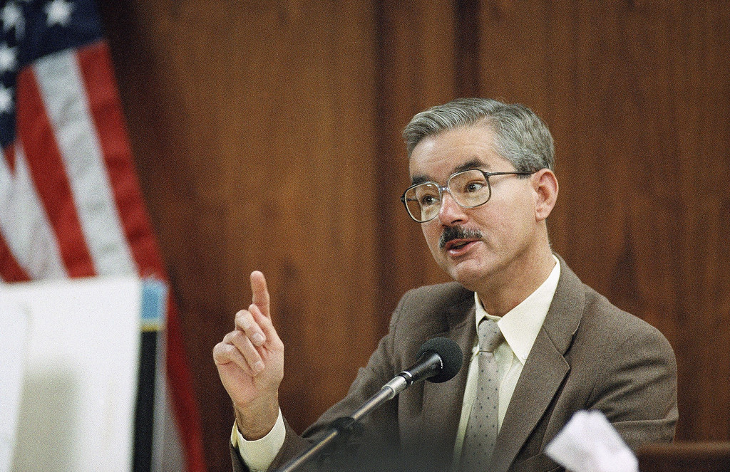. Witness Dr. William Vicary testifies during the penalty phase of Lyle and Erik Menendez?s double-murder trial on Thursday, April 4, 1996 at the Van Nuys Superior Court in the Van Nuys section of Los Angeles.  (AP Photo/Nick Ut)
