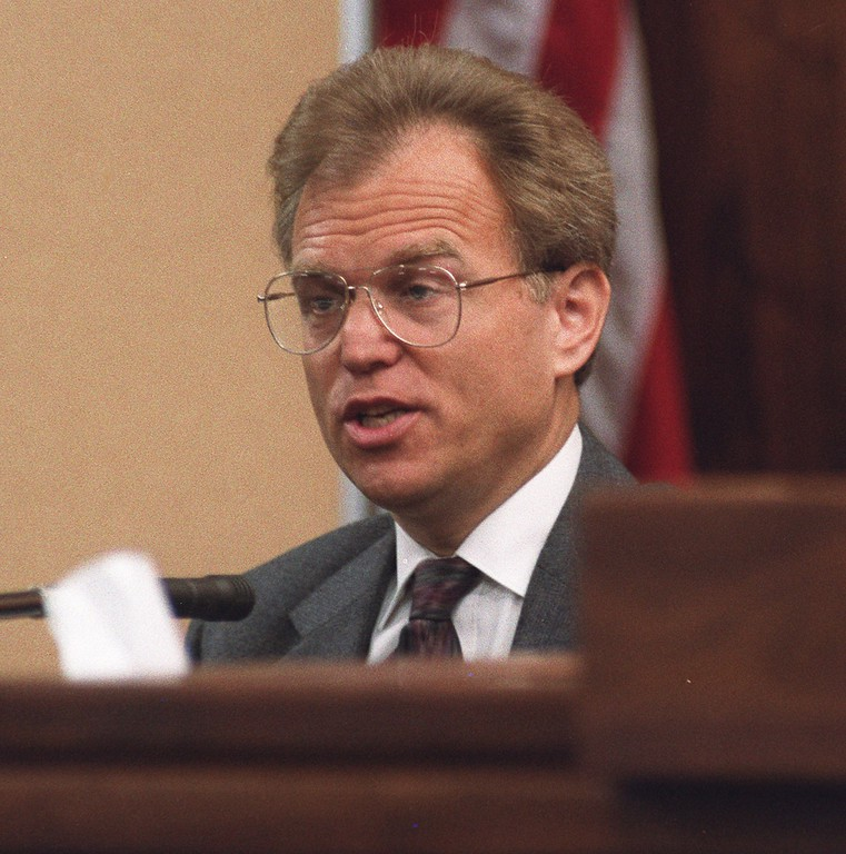 . FILE - Psychologist Dr. Jerome Oziel appears on the stand in Van Nuys Superior Court in Los Angeles, Aug. 5, 1993. Oziel, who tipped police to Lyle and Erik Menendez\'s killing of their parents surrendered his license Friday Jan. 3, 1997 amid accusations he violated the brothers\' confidence and had a sexual relationship with patients. (AP Photo/pool/Nick Ut)