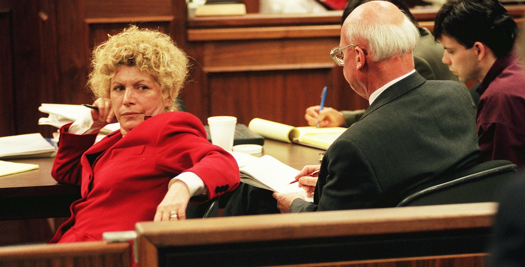 . Leslie Abramson, defense attorney for Erik Menendez, looks back at the gallery during the penalty phase of the Menendez brothers\' trial in a Van Nuys courtroom in Los Angeles Friday, April 5, 1996.   The brothers each sought a mistrial in the case as Abramson invoked her right to avoid self-incrimination in a misconduct probe. At right is Lyle Menendez and his attorney  Charles Gessler, center. (AP Photo/Steve Grayson, Pool)
