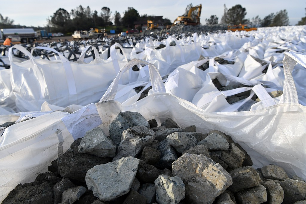 . Bags of rocks are seen in preparation for use in emergency measures at the Oroville Dam in Oroville, California on February 13, 2017.  Almost 200,000 people were under evacuation orders in northern California Monday after a threat of catastrophic failure at the United States\' tallest dam. Officials said the threat had subsided for the moment as water levels at the Oroville Dam, 75 miles (120 kilometers) north of San Francisco, have eased. But people were still being told to stay out of the area. (JOSH EDELSON/AFP/Getty Images)