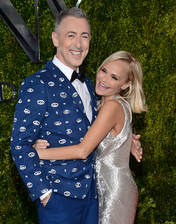 Kristin Chenoweth honored with Hollywood Walk of Fame star