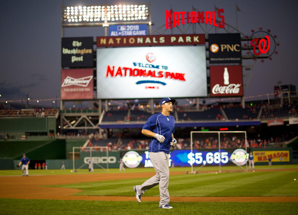 . Los Angeles Dodgers shortstop Corey Seager jogs around the bases prior to Game 5 of baseball\'s National League Division Series against the Washington Nationals at Nationals Park, Thursday, Oct. 13, 2016, in Washington. (AP Photo/Pablo Martinez Monsivais)