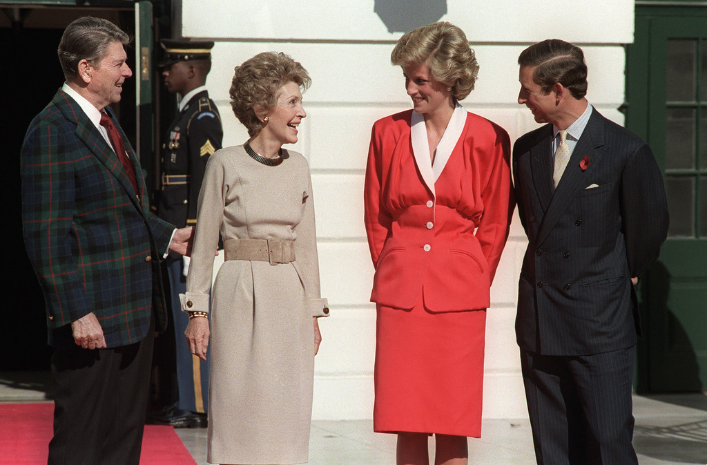 . US President Ronald Reagan and his wife Nancy welcome  Princess Diana and her husband Prince Charles to the White House in Washington, D.C. on November 9,1985. (DON RYPKA/AFP/Getty Images)