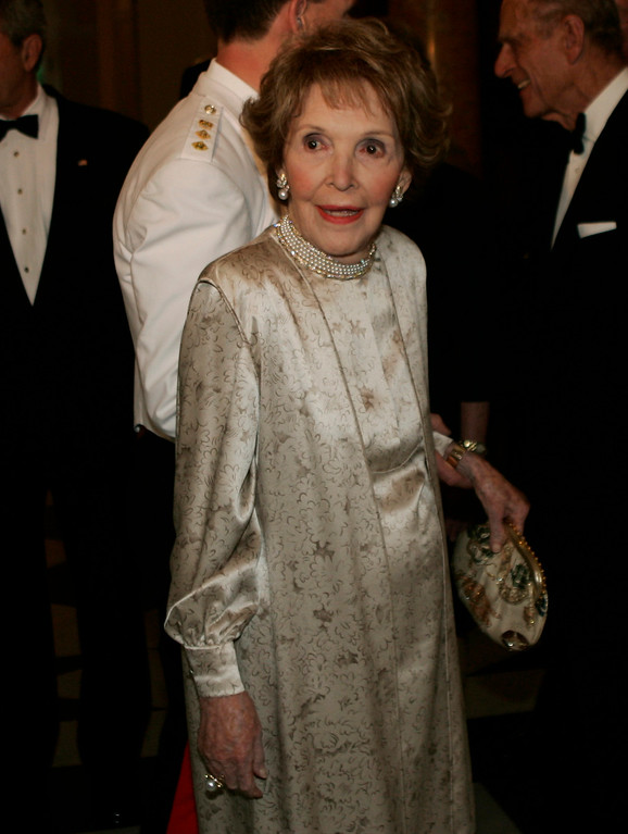 . Former first lady Nancy Reagan arrives to the British Embassy for a dinner hosted by Queen Elizabeth II for President Bush on Tuesday, May 8, 2007 in Washington.  (AP Photo/Evan Vucci)