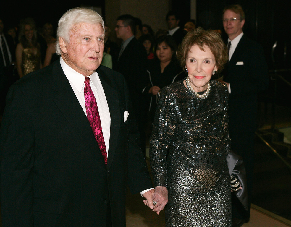 . Former first lady Nancy Reagan, right, and Merv Griffin arrive at the 2007 Ronald Reagan Freedom Award gala dinner honoring former president George H. W. Bush, Tuesday, Feb. 6, 2007, in Beverly Hills, Calif.  (AP Photo/Matt Sayles)