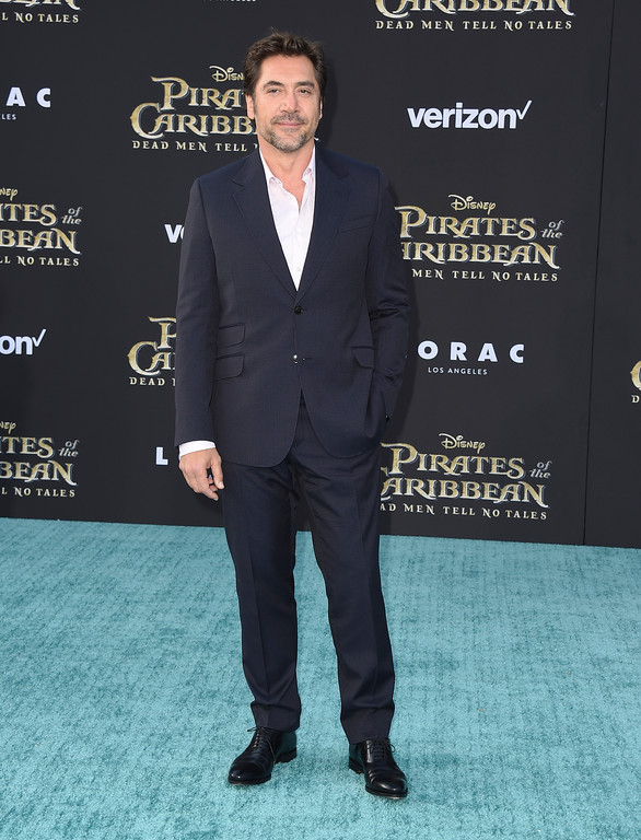 ". Javier Bardem arrives at the Los Angeles premiere of ""Pirates of the Caribbean: Dead Men Tell No Tales\"" at the Dolby Theatre on Thursday, May 18, 2017. (Photo by Jordan Strauss/Invision/AP)"