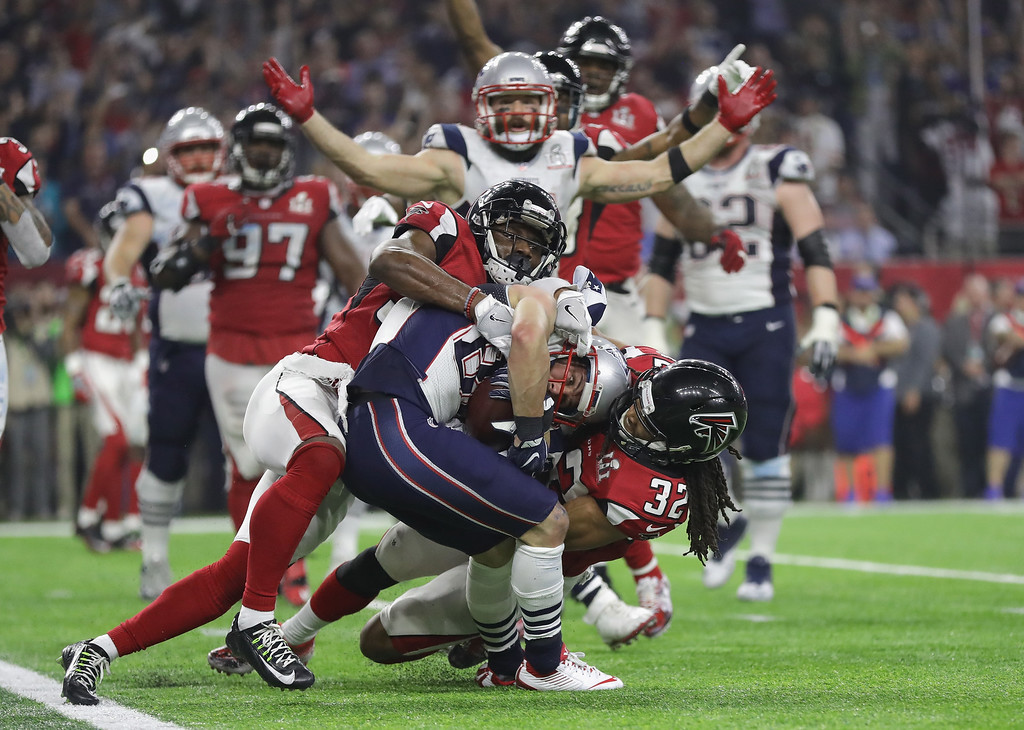 . HOUSTON, TX - FEBRUARY 05:  Danny Amendola #80 of the New England Patriots scores a two point conversion late in the fourth quarter against Jalen Collins #32 the Atlanta Falcons during Super Bowl 51 at NRG Stadium on February 5, 2017 in Houston, Texas.  (Photo by Ronald Martinez/Getty Images)