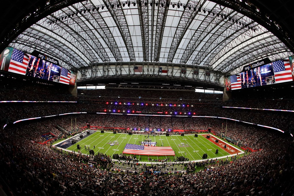 . 9Country music artist Luke Bryan sings the national anthem before the NFL Super Bowl 51 football game between the New England Patriots and the Atlanta Falcons, Sunday, Feb. 5, 2017, in Houston. (AP Photo/Charlie Riedel)