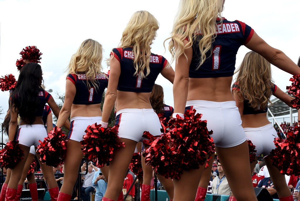 . Houston Texans Cheerleaders perform for fans as they arrive for Super Bowl LI between the New England Patriots and the Atlanta Falcons at NGR Stadium in Houston, Texas February 5, 2017. (TIMOTHY A. CLARY/AFP/Getty Images)
